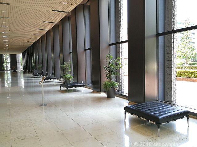 新宿センタービルオフィスロビーの休憩場所