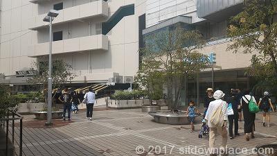荻窪駅西口ルミネ入口