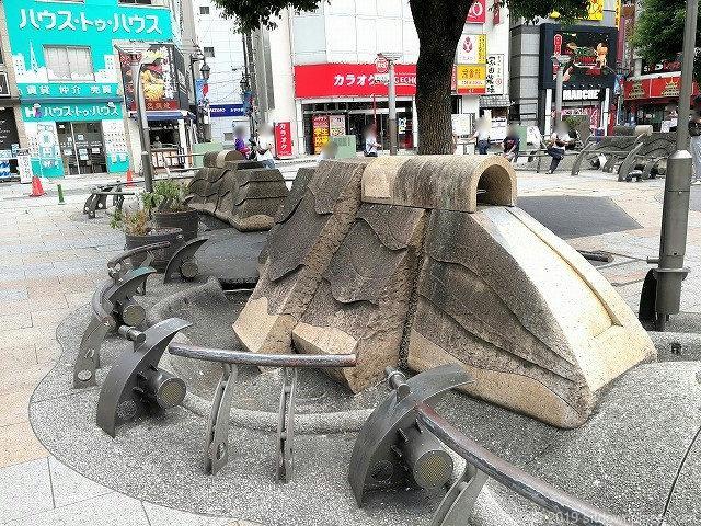 赤羽駅東口広場の休憩場所