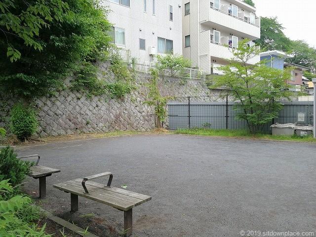 生田三田第7公園の休憩場所