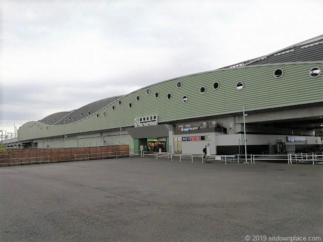 稲城長沼駅の外観