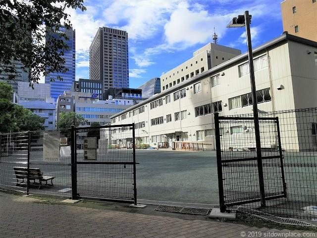 坂本町公園の入口