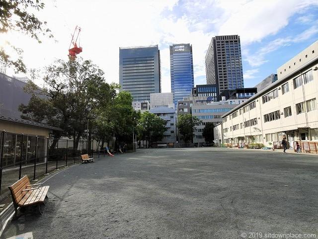 坂本町公園の休憩場所