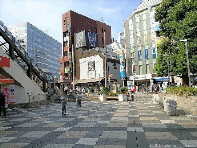 町田カリヨン広場