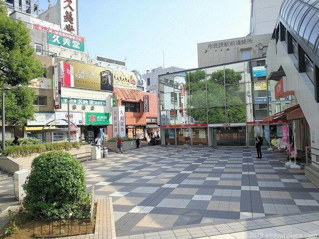 町田カリヨン広場の景観