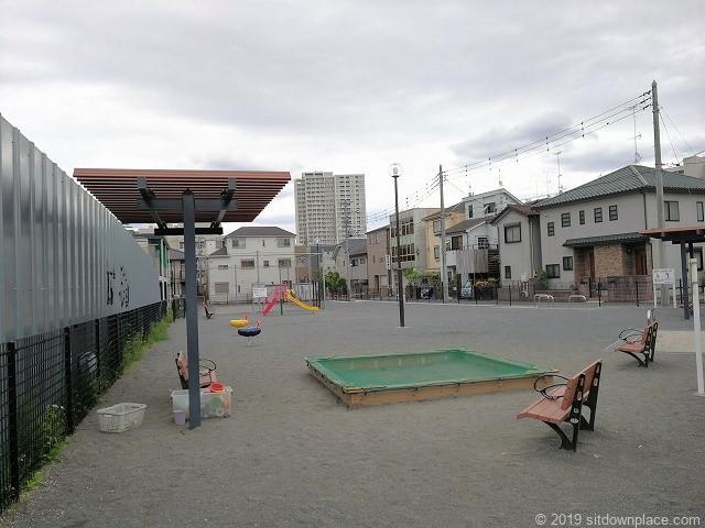 登戸1号街区公園のおもちゃと砂場