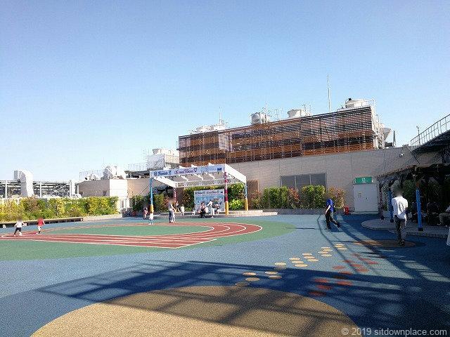 マルイ溝ノ口ノクティプラザ屋上広場の景観