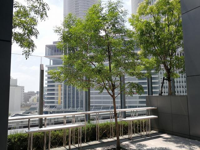 大名古屋ビルヂングスカイガーデンのデッキから見えるツインタワー
