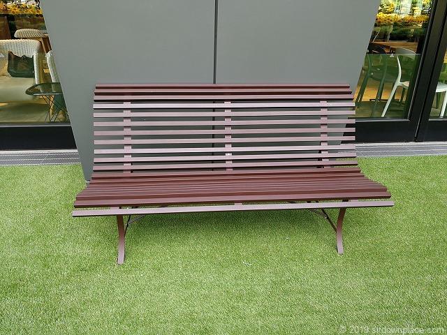大名古屋ビルヂングスカイガーデンのタリーズ付近の2人掛けベンチ