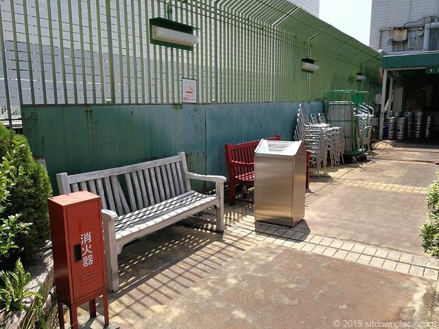 名鉄本館屋上英国式庭園マイフェアガーデンの2人掛けベンチ