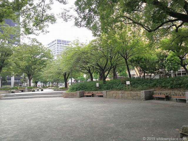下園公園の休憩場所