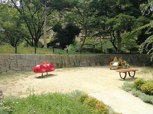 下園公園の遊具