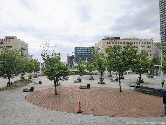 新潟駅南口駅前広場の外観