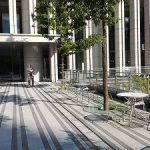 【御茶ノ水駅】御茶ノ水ソラシティ正面入口横の休憩場所