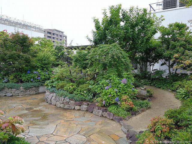 ラスカ小田原屋上庭園スカイガーデンU-meテラスの散歩道