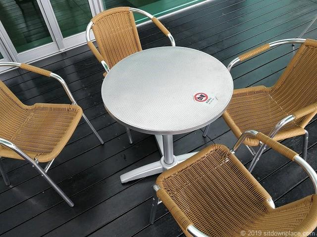 ラスカ小田原屋上庭園スカイガーデンU-meテラスのテーブル席