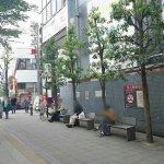 【成城学園前駅】北口 成城コルティ前の休憩場所