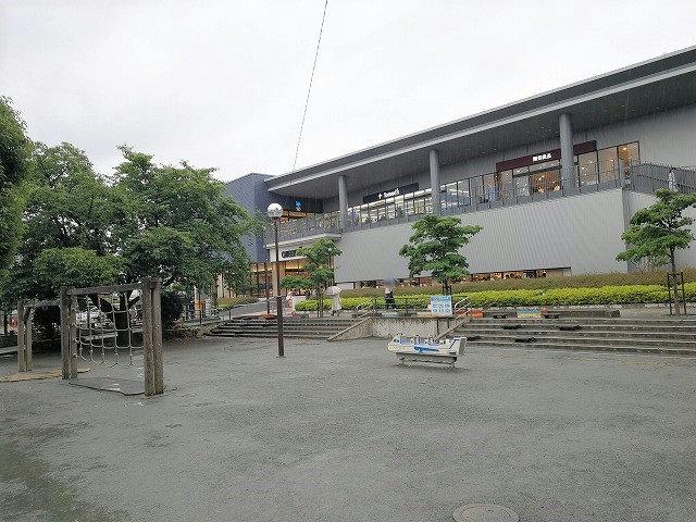 仙川駅前公園の外観