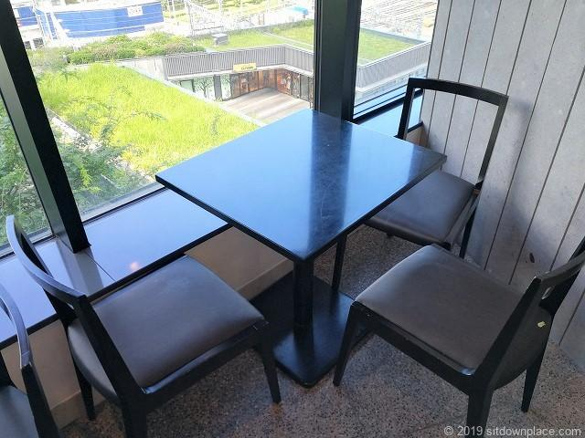 ソラマチ5F11番地のテーブル席