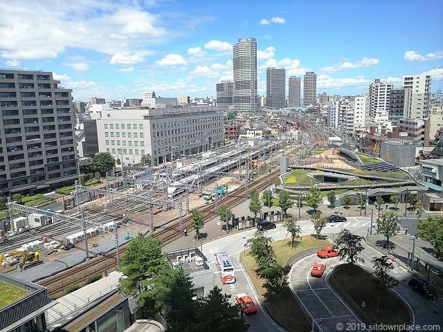 ソラマチ6F12番地のベンチからみえる東武鉄道の景観