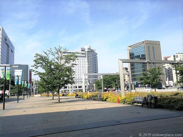 富山駅南口広場