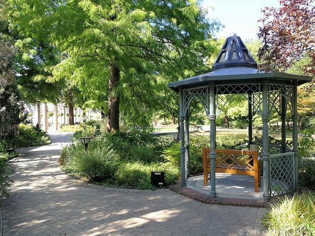 久屋大通庭園フラリエのウォーターガーデンのガゼボ