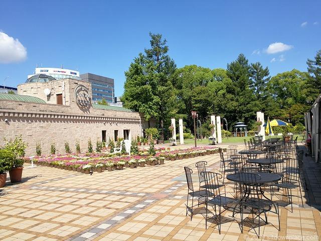 久屋大通庭園フラリエ中庭の休憩場所