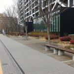 【中野駅】早稲田大学コミュニティプラザ前の休憩場所