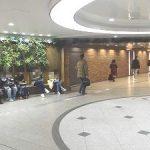 【梅田駅】阪急 1F コンコース広場入口正面 通路脇