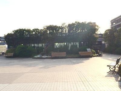 相鉄ジョイナス森彫刻公園の座れる休憩場所