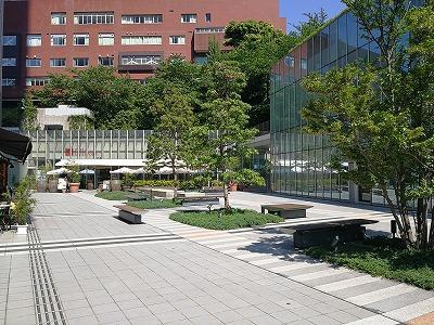 赤坂見附プルデンシャルタワーの座れる休憩場所