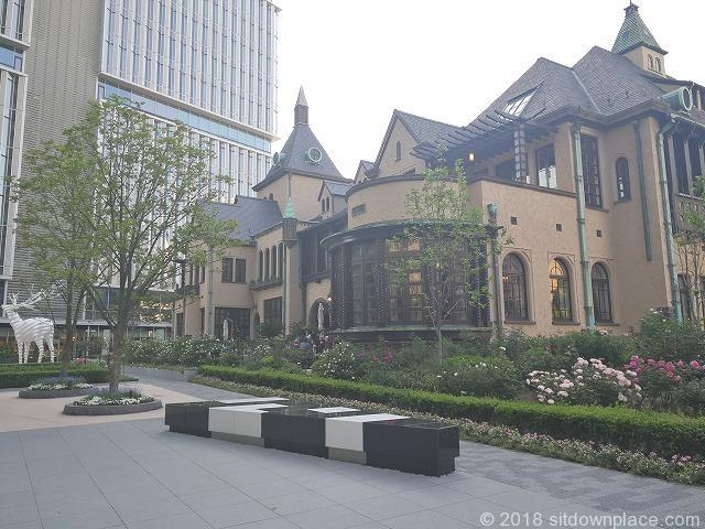 東京ガーデンテラス赤坂プリンスクラシックハウス前の休憩場所