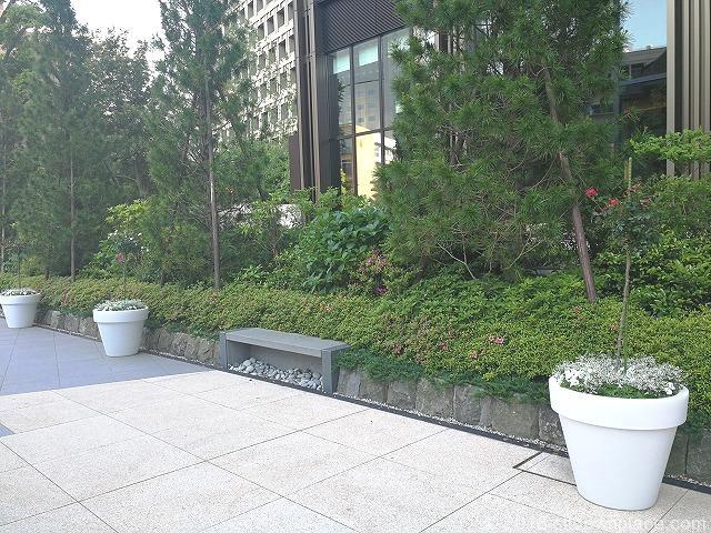 東京ガーデンテラス3Fの空の広場の景観
