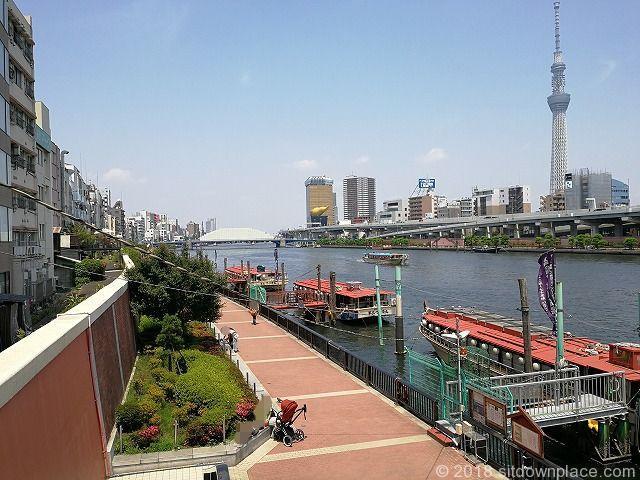 厩橋から隅田川テラスの風景