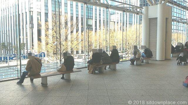みなとみらい東急スクエアS(ステーションコア)の座れる休憩場所