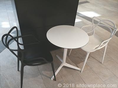 東京ガーデンテラス紀尾井プラザのテーブル席
