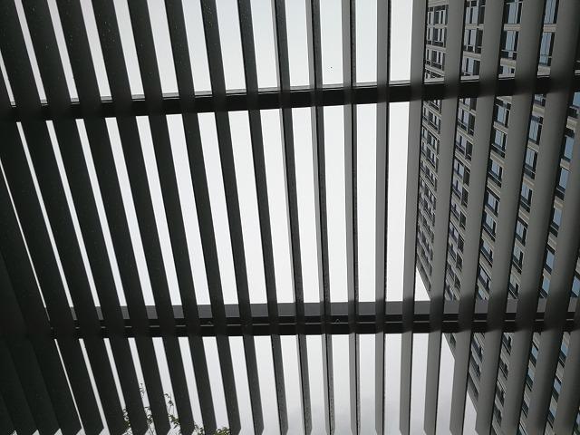 二子玉川ライズルーフガーデン5F原っぱ広場のデッキ天井部