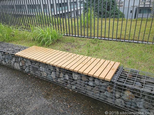 二子玉川ライズルーフガーデン3Fのベンチ