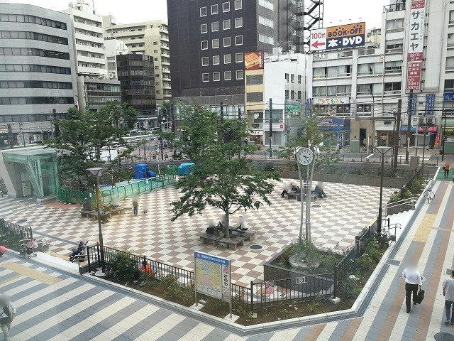 大塚駅南口駅前広場の全景