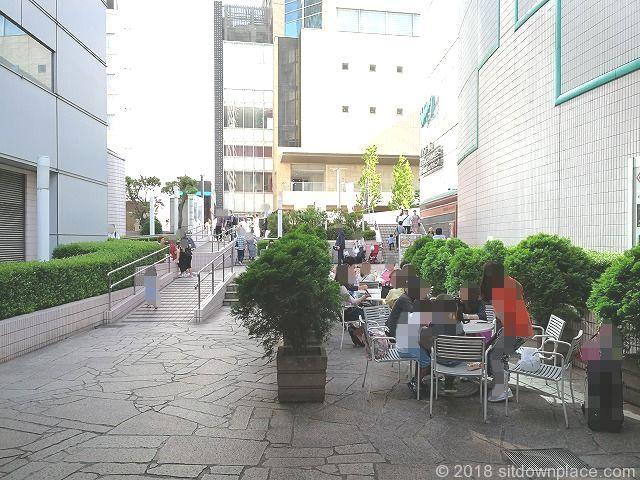 品川ウィング高輪ウエストコートのテーブル席(6月)