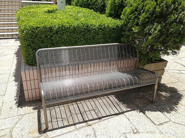 品川ウィング高輪ウエストコートのベンチ