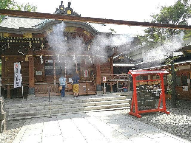 下谷神社の参道にあるドライミスト