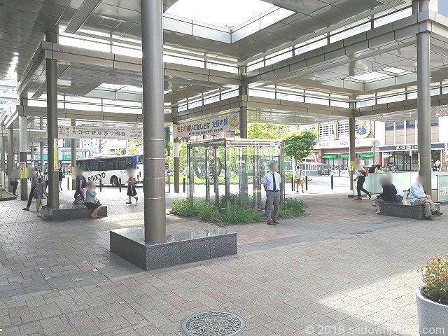 新座駅南口交番付近の座れる休憩場所