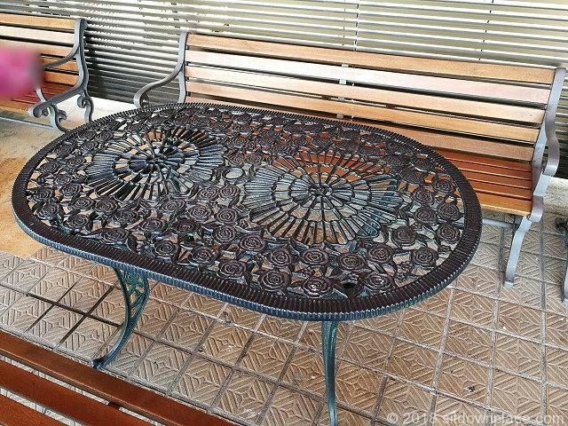 上野松坂屋屋上広場のテーブル詳細