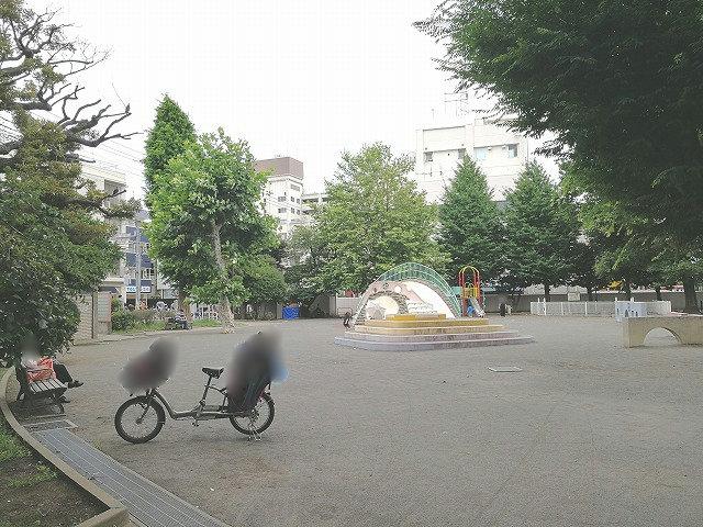 世田谷丸山公園の全景