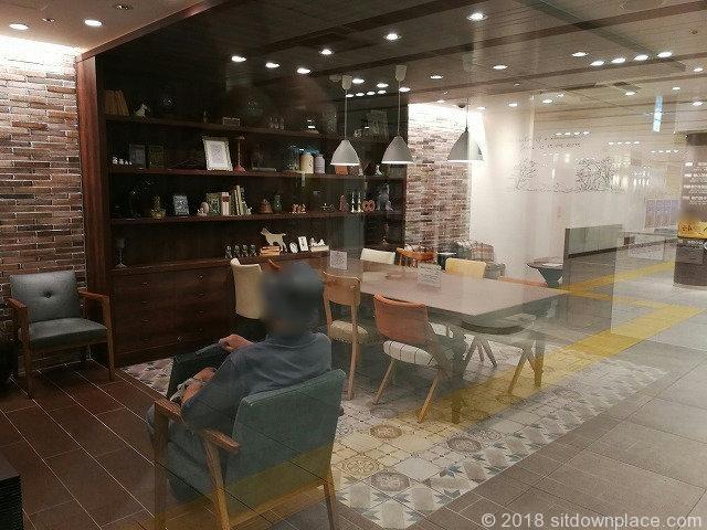 渋谷ちかみちラウンジのテーブルソファその2