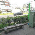 【巣鴨駅】駅前商店街アーケードの休憩場所