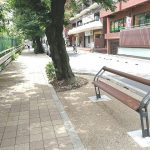 【巣鴨駅】すがも桜並木通りの休憩場所