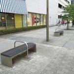 【立川駅】サンサンロード モノレール高架付近の休憩場所