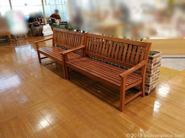 上野マルイ2F・4Fの座れる休憩場所検索